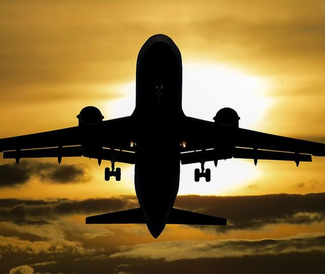 Flug per Lastschrift buchen