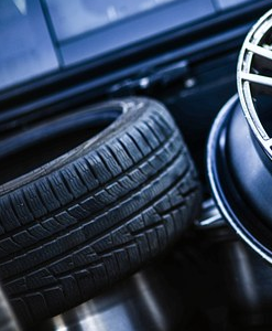 Autoteile und Ersatzteile